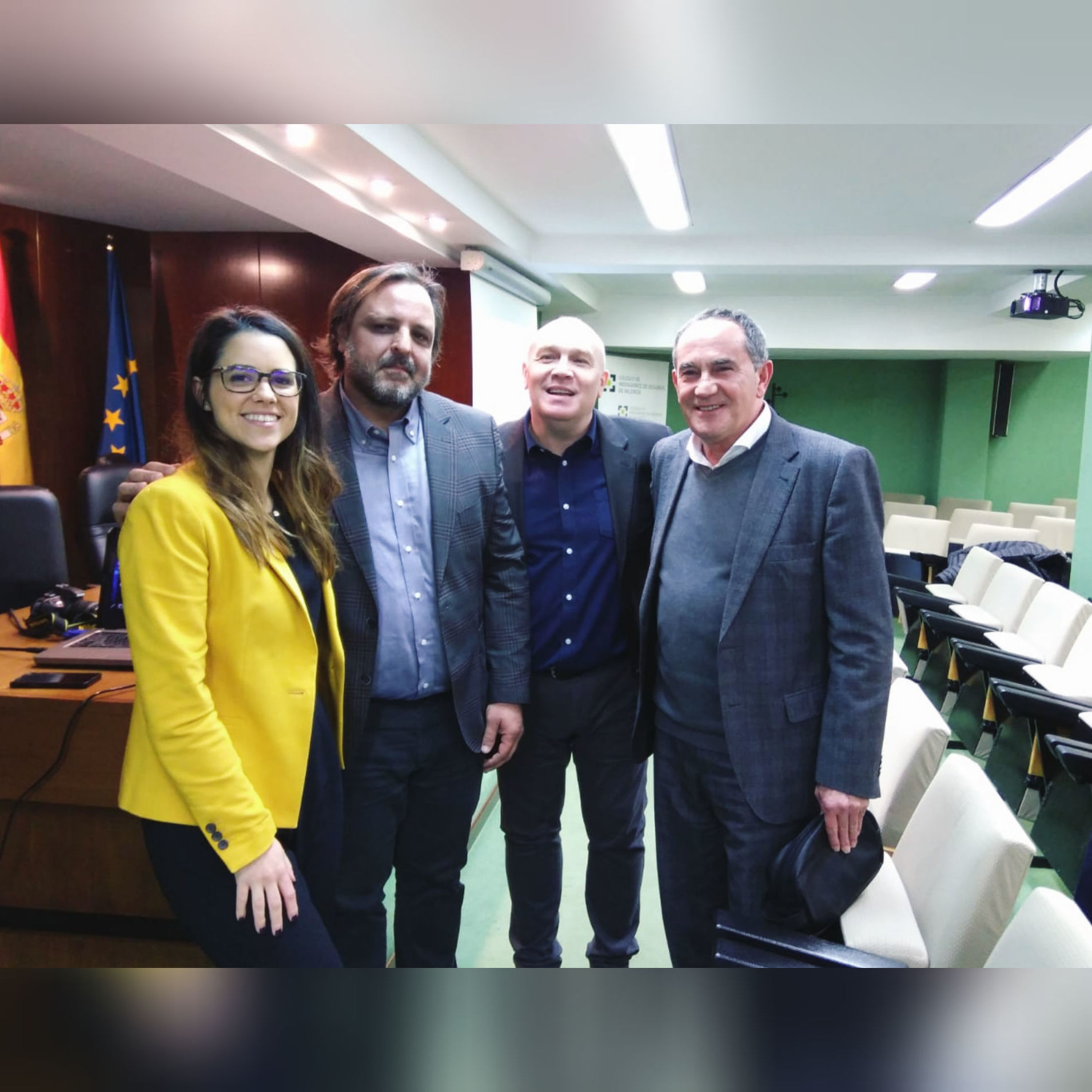 """Celebrando el curso """" La Nueva Comunicación en Seguros"""" en el Colegio de Mediadores de Valencia"""